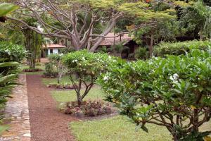 Rock-View-Lodge-Gardens-21-300x200
