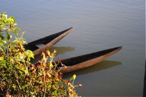 canoes-300x200