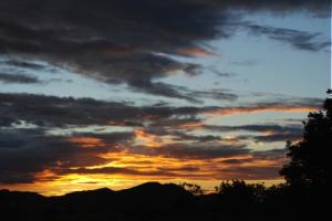 sunset-over-aranaputa-valley-300x200